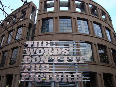 Ron Terada, THE WORDS DON'T FIT THE PICTURE, 2010